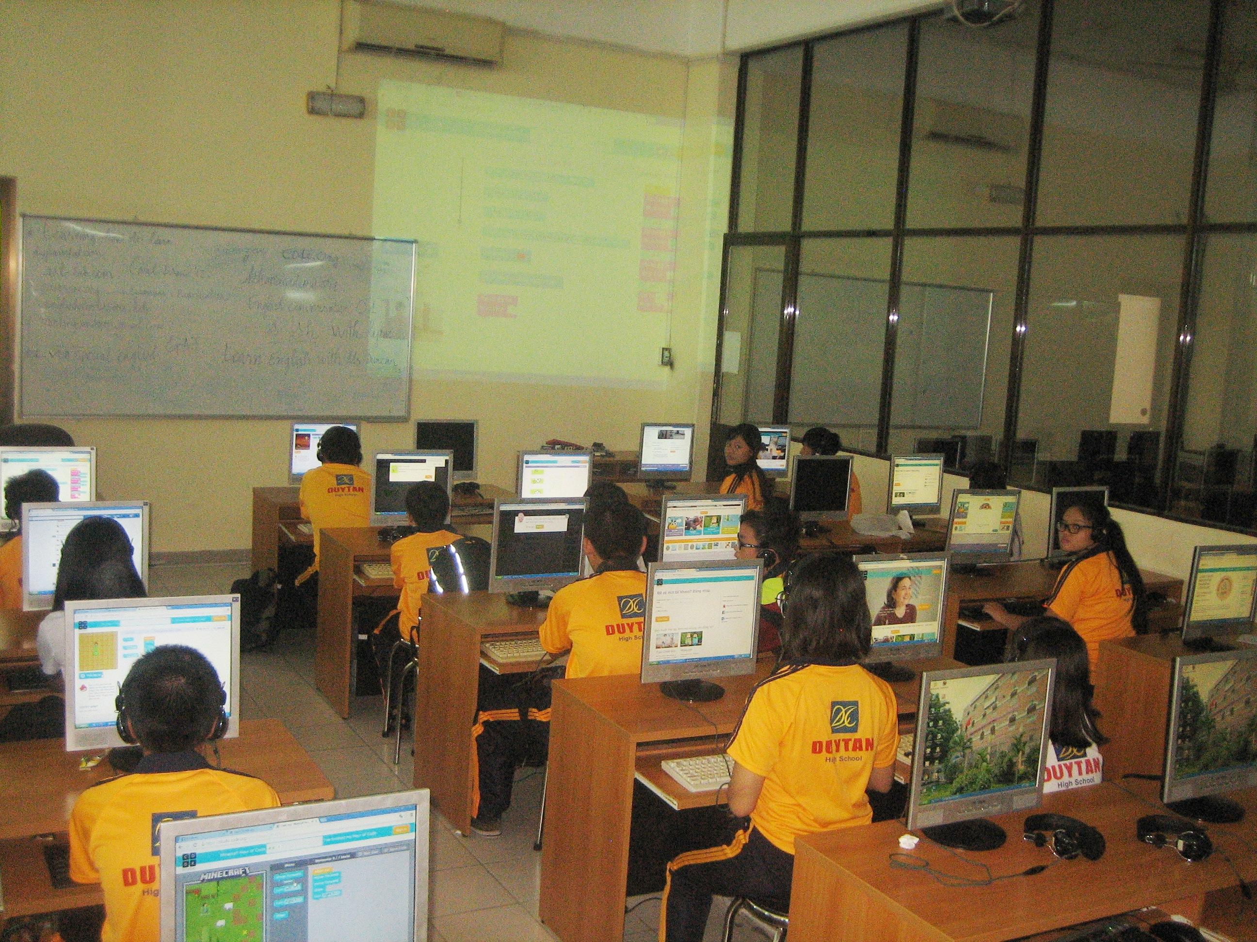 Trường Duy Tân xin giới thiệu với các bạn các khóa học thiết kế đồ họa trực tuyến hàng đầu thế giới