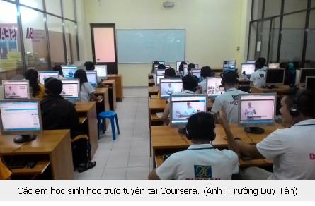 Trường nội trú, bán trú THCS, THPT Duy Tân dạy học sinh kỹ năng sử dụng Internet tích cực