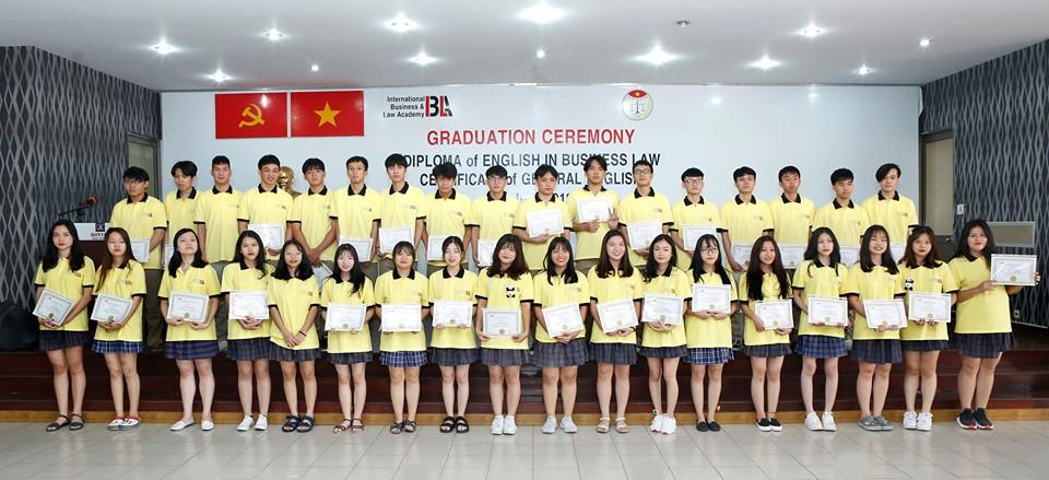 Viện Khoa Học Pháp Lý & Kinh Doanh Quốc Tế trao chứng chỉ tiếng Anh cho học sinh Trường THCS, THPT Duy Tân