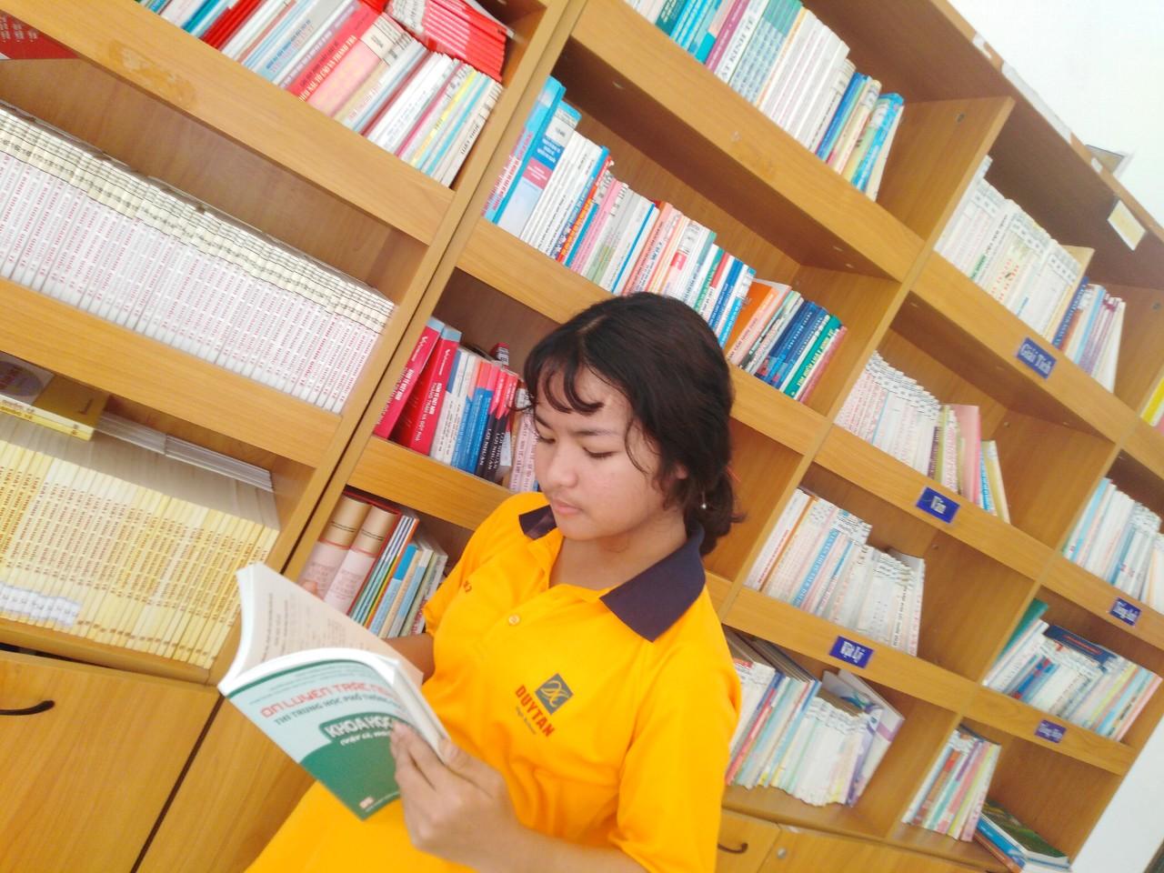Trường THCS, THPT Duy Tân cùng cộng đồng xã hội hưởng ứng Ngày Sách Việt Nam