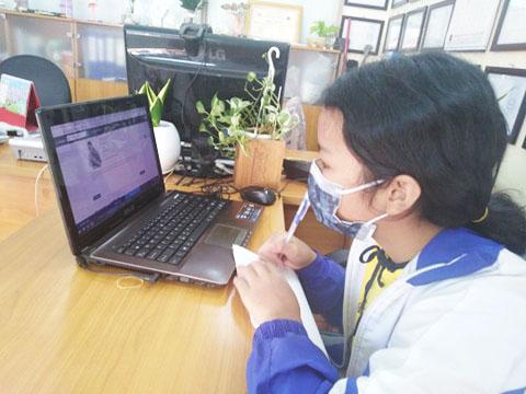 Học sinh Trường THCS, THPT Duy Tân ứng dụng các chương trình học online mùa dịch Corona