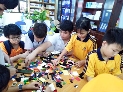 Hoạt động ngoài giờ lên lớp của học sinh Trường THCS, THPT Duy Tân