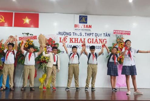 Trường THCS - THPT Duy Tân khai giảng năm học mới