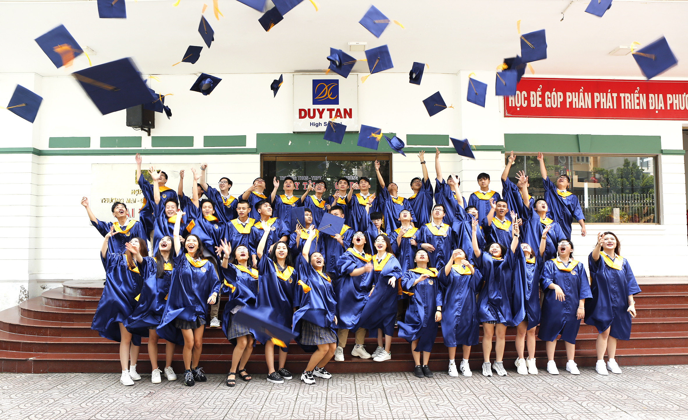 Trường THCS, THPT DUY TÂN tổng kết năm học 2019-2020