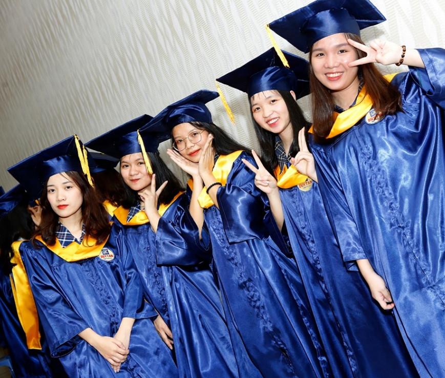 Trường THCS, THPT Duy Tân thông báo kế hoạch ôn tập và giảng dạy trực tuyến trước ngày khai giảng năm học.